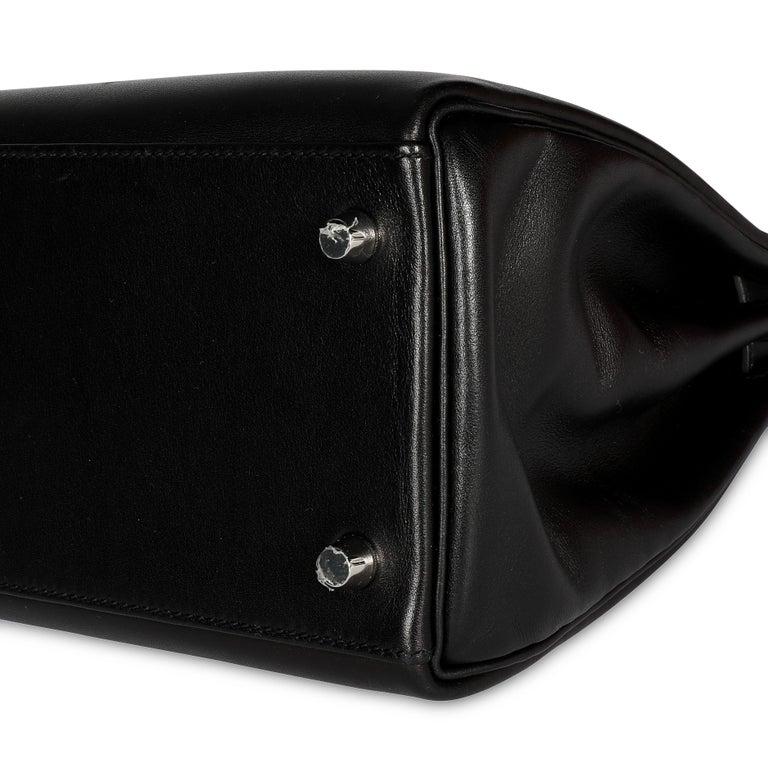 Women's Hermès Black Swift Leather Retourne Kelly 28 with Palladium Hardware For Sale