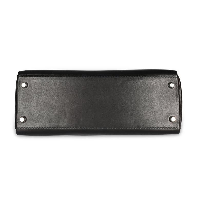 Hermès Black Swift Leather Retourne Kelly 28 with Palladium Hardware For Sale 1