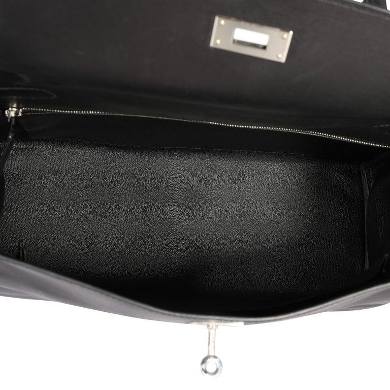 Hermès Black Swift Leather Retourne Kelly 28 with Palladium Hardware For Sale 2