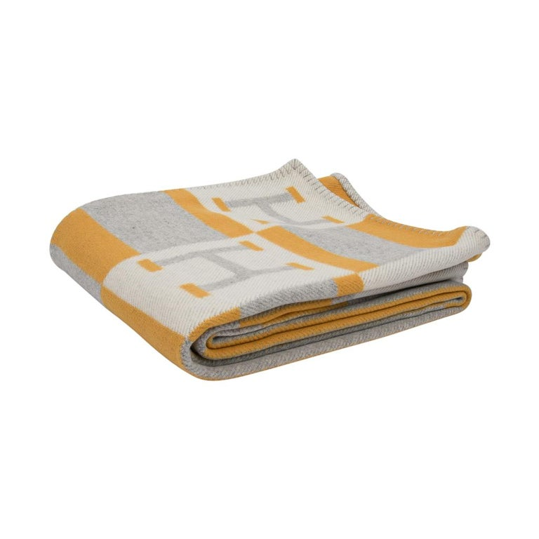 Hermes Blanket Avalon Bayadere Throw Blanket Jaune Gris Ecru In New Condition For Sale In Miami, FL