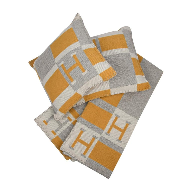 Hermes Blanket Avalon Bayadere Throw Blanket Jaune Gris Ecru For Sale 4