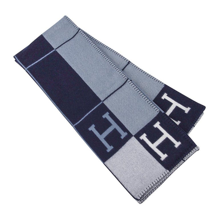 Mightychic offers a guaranteed authentic Hermes classic Avalon III signature H blanket featured in Blue. Created from 90% Merino Wool and 10% cashmere and has whip stitch edges. New or Pristine Store Fresh Condition.  Please see the matching Avalon