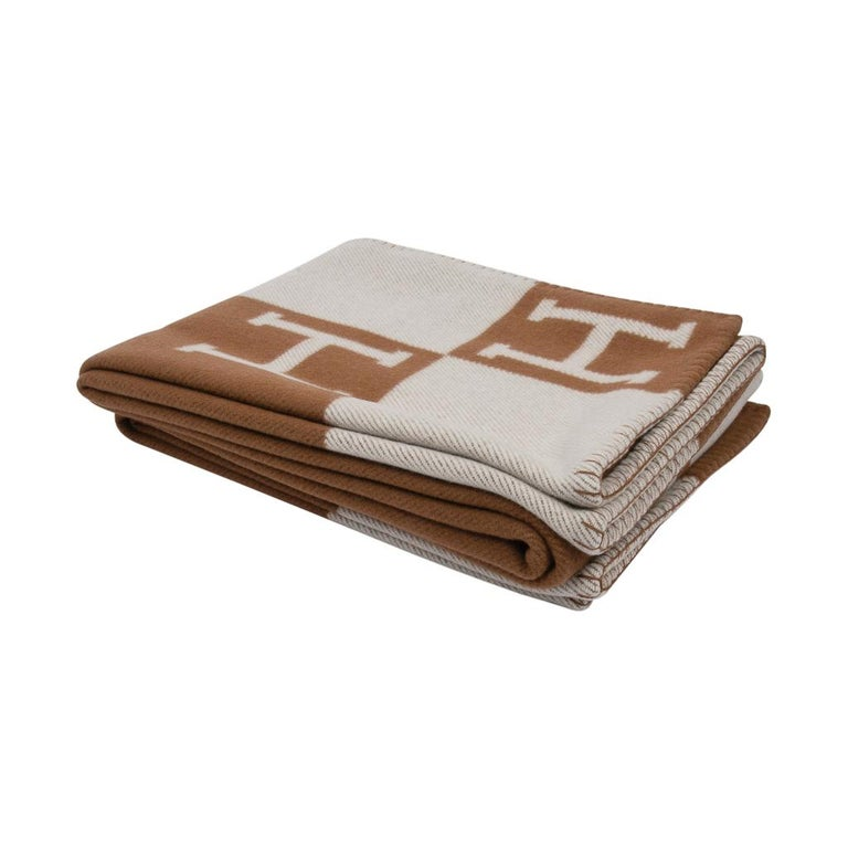 Beige Hermes Blanket Avalon III Signature H Camel and Ecru Throw For Sale