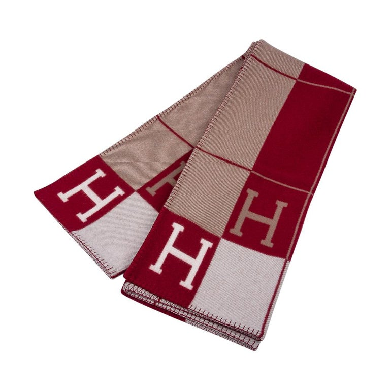 Hermes Blanket Avalon III Signature H Ecru and Rouge H Throw Blanket  In New Condition In Miami, FL