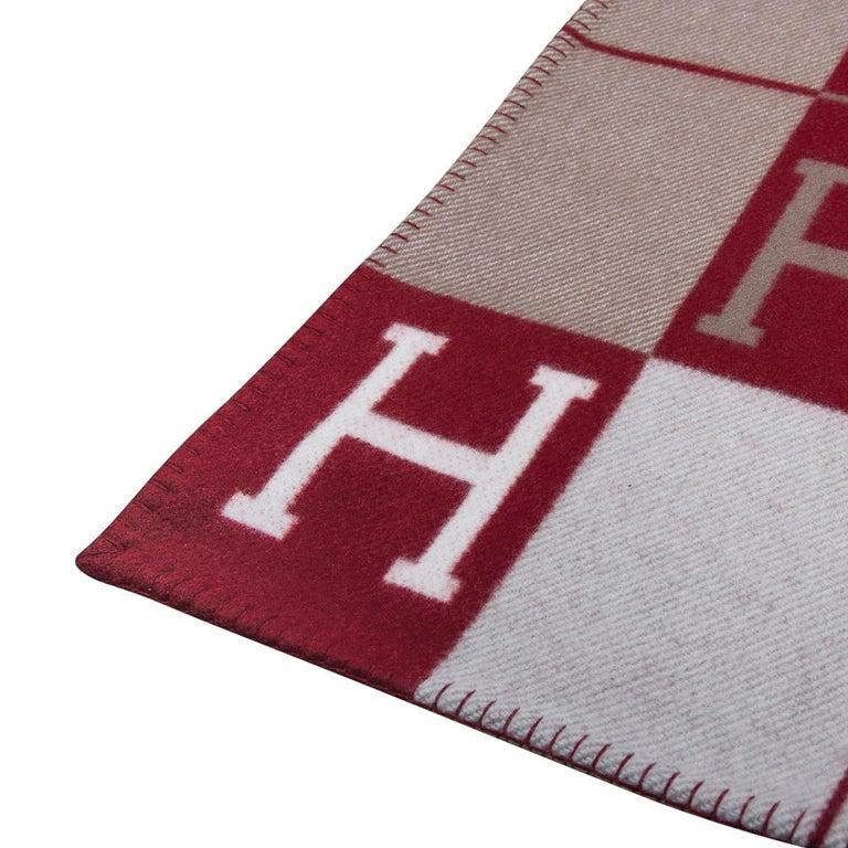 Hermes Blanket Avalon III Signature H Ecru and Rouge H Throw Blanket  1