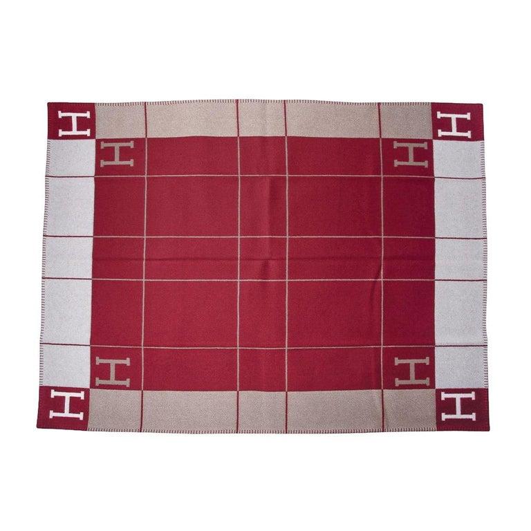 Hermes Blanket Avalon III Signature H Ecru and Rouge H Throw Blanket  2