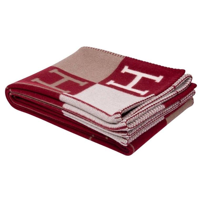 Hermes Blanket Avalon III Signature H Ecru and Rouge H Throw Blanket