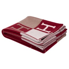 Hermes Blanket Avalon III Signature H Ecru and Rouge H Throw Blanket New w/Box