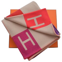 Hermes Blanket Avalon Vibration  Signature H  Beige Fuchsia Throw  New With Box