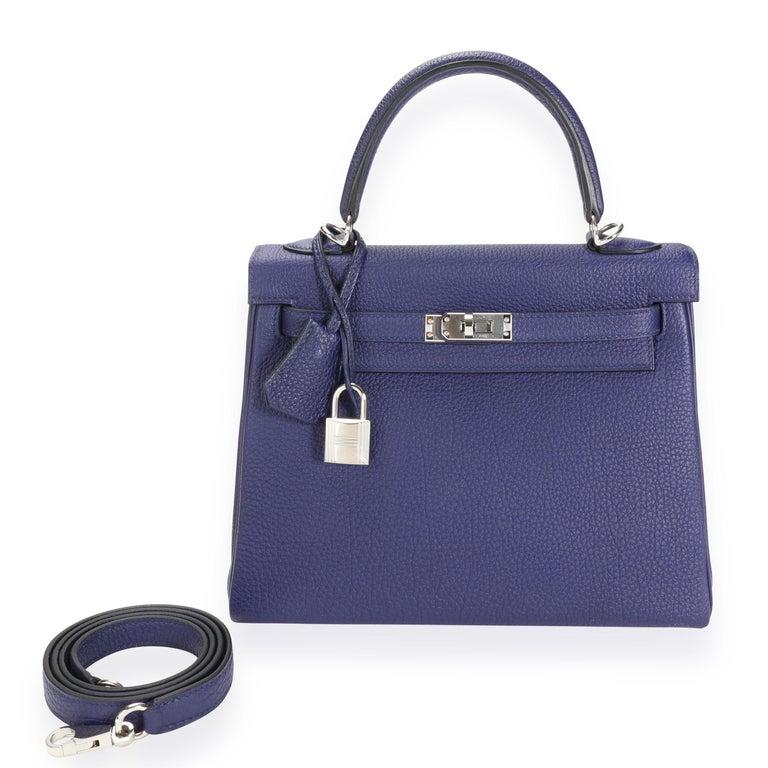Women's Hermès Bleu Encre Togo Retourne Kelly 25 PHW For Sale