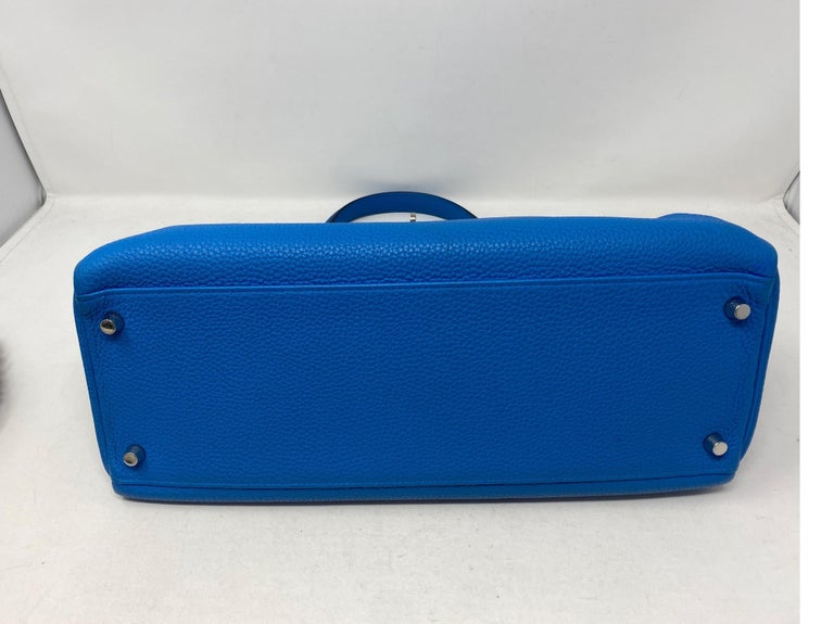 Hermes Blue Zanzibar Kelly 35 Bag  In Excellent Condition For Sale In Athens, GA