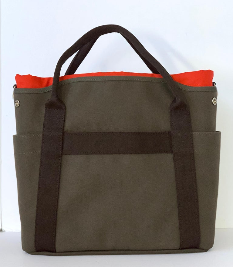 Groom boot and helmet bag This bag makes a great travel bag.   Hermes functional grooming bag in canvas: - Hard-wearing and water-resistant canvas - Removable inside pouch, machine washable - 3 inside pockets including 1 zipped pocket - Removable