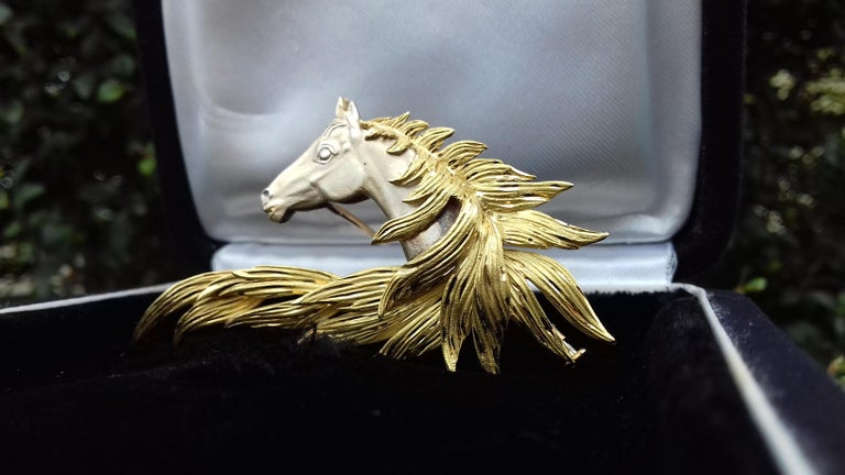 Hermès Brooch In Grey and Yellow Gold Horse Head Numbered Extremely Rare For Sale 1