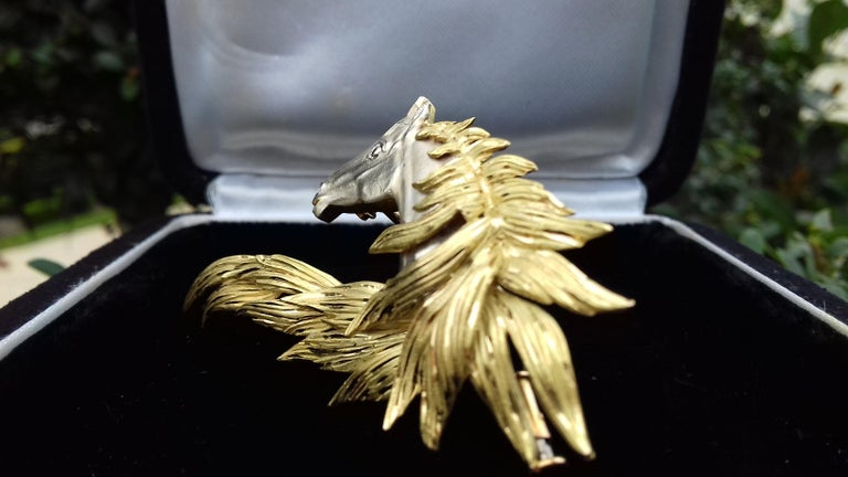 Hermès Brooch In Grey and Yellow Gold Horse Head Numbered Extremely Rare For Sale 2