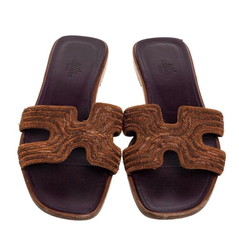 Hermes Brown Fabric Oran Flats Size 36.5 In Good Condition For Sale In Dubai, Al Qouz 2