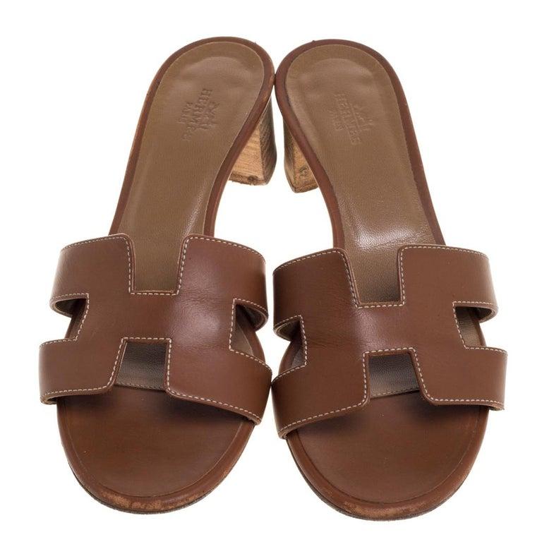 Hermès Brown Leather Oasis Slide Sandals Size 36 In Good Condition In Dubai, Al Qouz 2