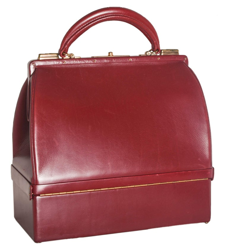 Hermes Burgundy Jewelry Sac Mallette Jewelry Travel Bag   In Good Condition For Sale In Palm Beach, FL