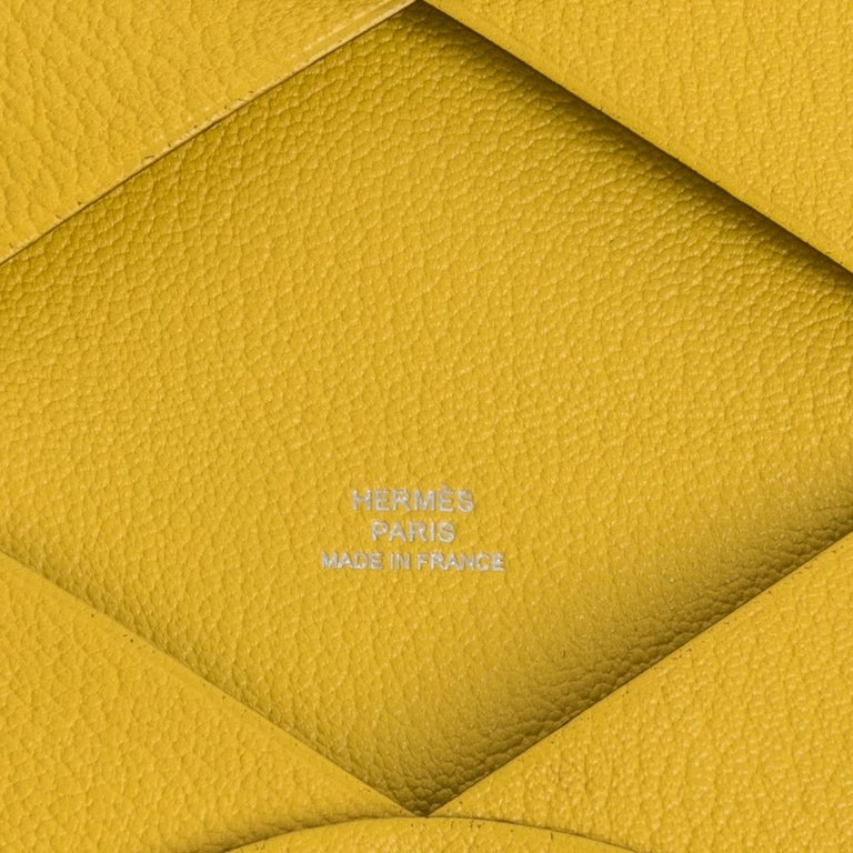 Women's or Men's Hermes Calvi Jaune de Naples Mysore Chevre Leather Card Holder For Sale