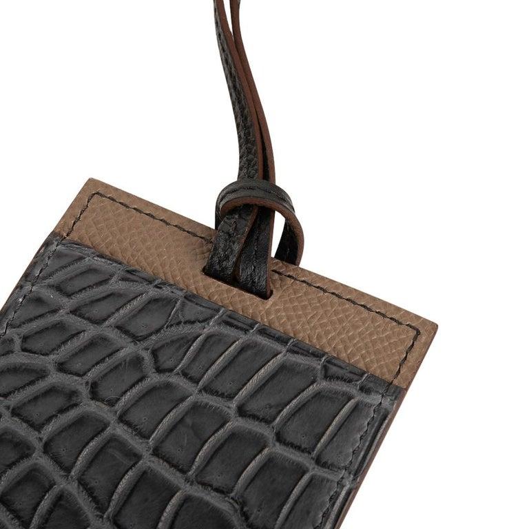 Hermes Cardholder Graphite Matte Porosus Crocodile / Etoupe Epsom Petit h In New Condition For Sale In Miami, FL