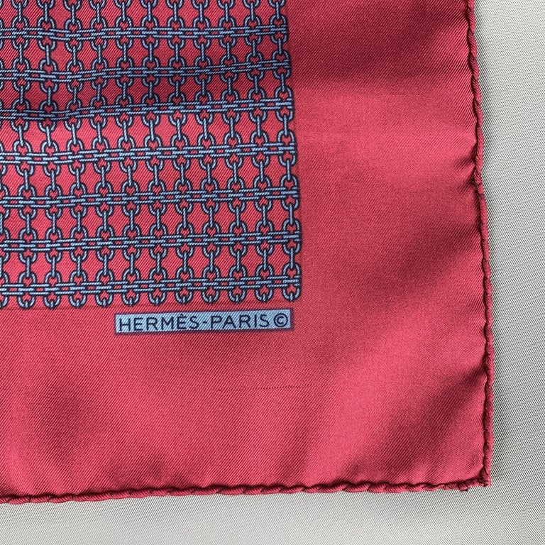 HERMES Chainlink Burgundy Silk Pocket Square In New Condition For Sale In San Francisco, CA