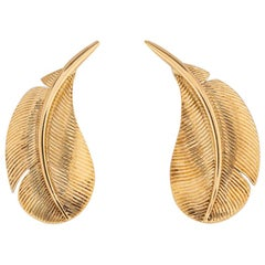 Hermès Classic Gold Feather Motif Earrings
