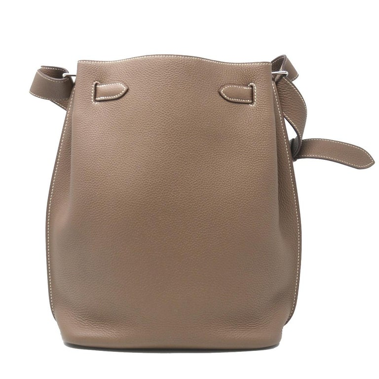Hermes Clemence So Kelly 22 Toupe Leather Shoulder Bag In Good Condition For Sale In Boca Raton, FL