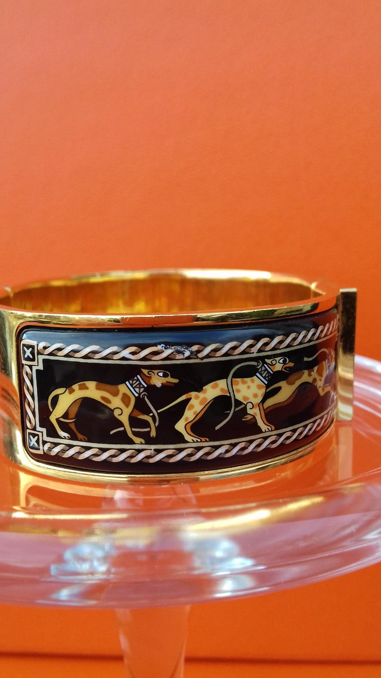 Women's Hermès Clic Clac Enamel Bracelet Greyhound Dog Lévriers Gold Plated Hdw GM For Sale