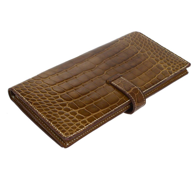 Hermes Cognac Chocolate Crocodile Palladium Evening Clutch Wallet Bag in Box In Good Condition For Sale In Chicago, IL