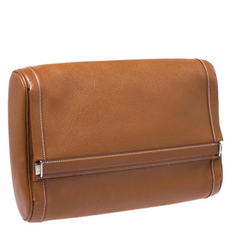 Hermes Cognac Courchevel Leather Toiletry Case In Good Condition For Sale In Dubai, Al Qouz 2