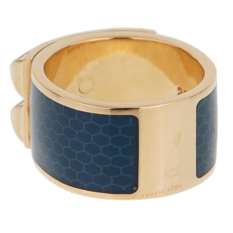 Hermes Collier De Chien Gold Blue Enamel Ring In Good Condition For Sale In Feasterville, PA