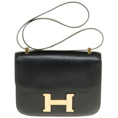 Hermes Constance 23 shoulder bag in black box calfskin with gold hardware !