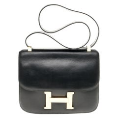 Hermes Constance 23 shoulder bag in black calfskin with gold hardware !