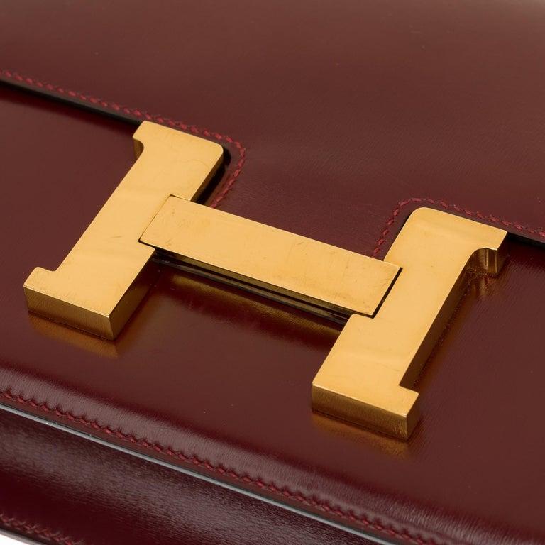 Hermes Constance 23 shoulder bag in burgundy calfskin with gold hardware ! For Sale 7