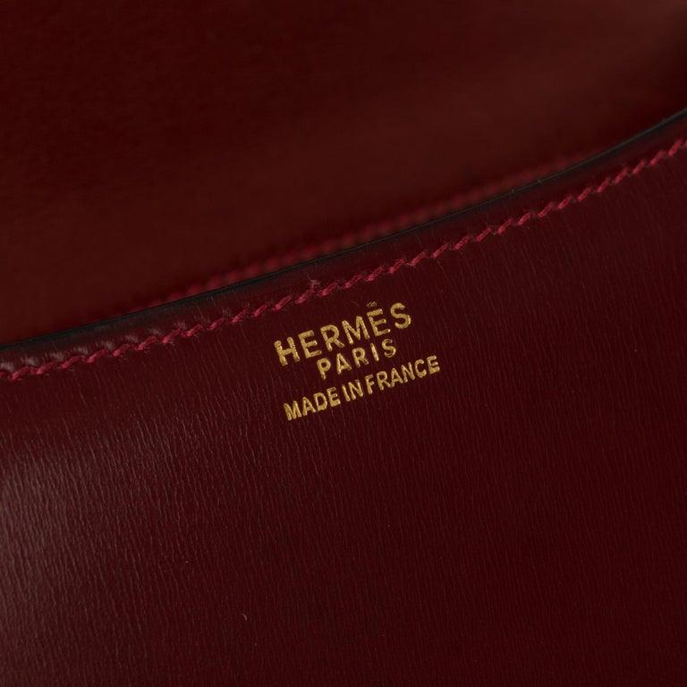 Hermes Constance 23 shoulder bag in burgundy calfskin with gold hardware ! For Sale 1