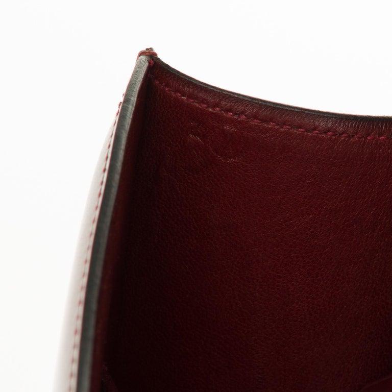 Hermes Constance 23 shoulder bag in burgundy calfskin with gold hardware ! For Sale 2