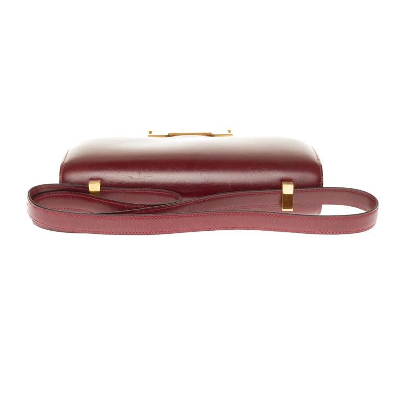 Hermes Constance 23 shoulder bag in burgundy calfskin with gold hardware ! For Sale 4