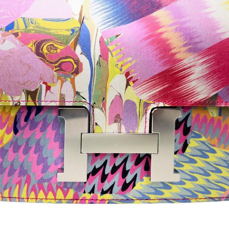 """Beige 1stdibs Exclusives Hermès Constance 24cm """"Marble"""" Silk Palladium Hardware"""