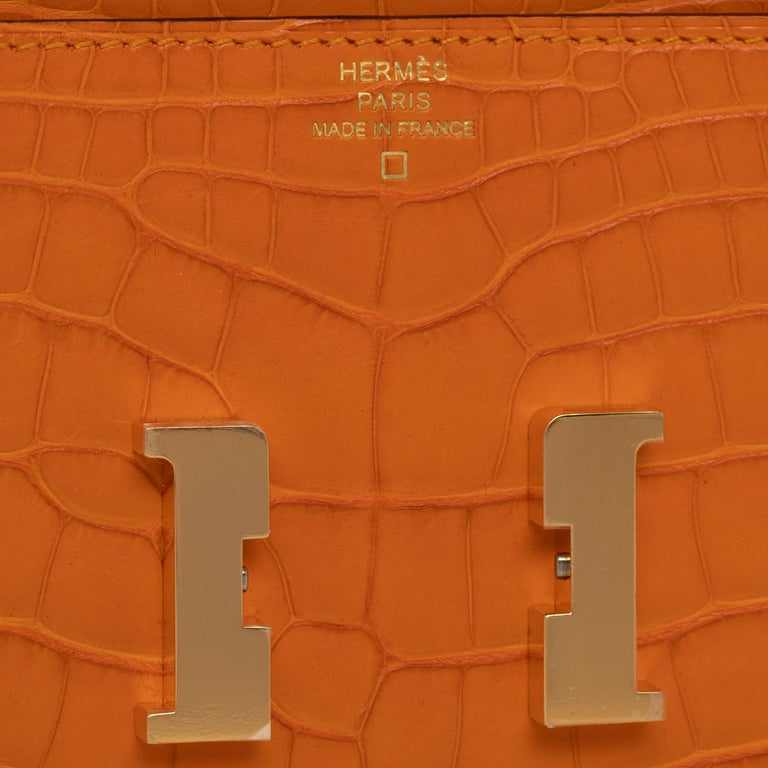 Hermès Constance Long Wallet Abricot Matte Alligator Gold Hardware In New Condition For Sale In Sydney, New South Wales