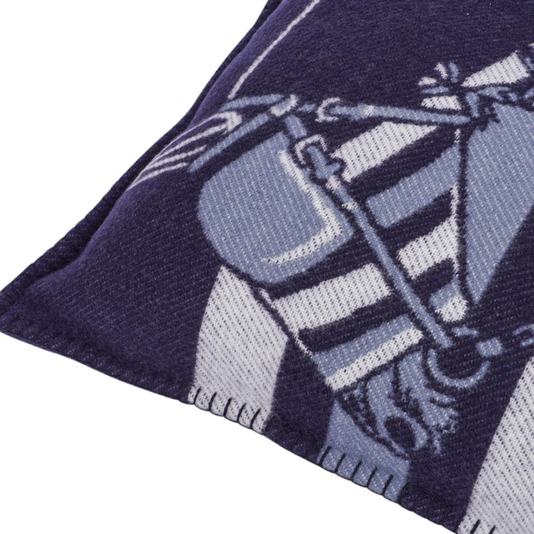 Black Hermes Couvertures Nouvelles Pillow Marine Limited Edition Throw Cushion New For Sale
