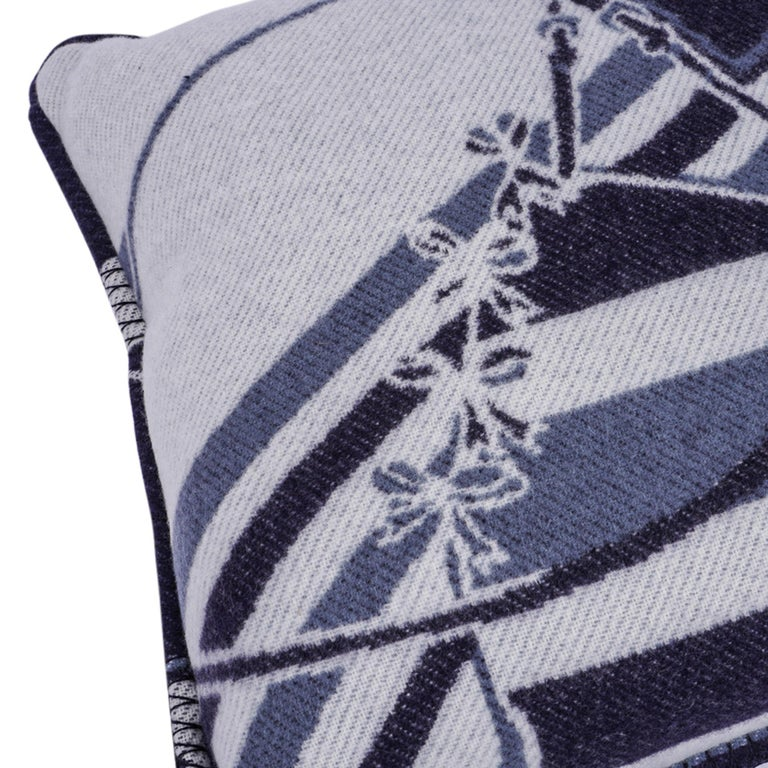 Women's or Men's Hermes Couvertures Nouvelles Pillow Marine Limited Edition Throw Cushion New For Sale