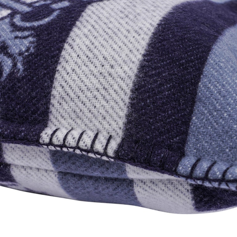 Hermes Couvertures Nouvelles Pillow Marine Limited Edition Throw Cushion New For Sale 3