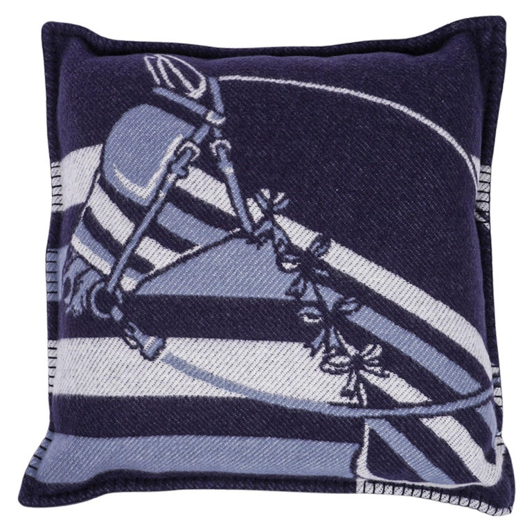 Hermes Couvertures Nouvelles Pillow Marine Limited Edition Throw Cushion New For Sale