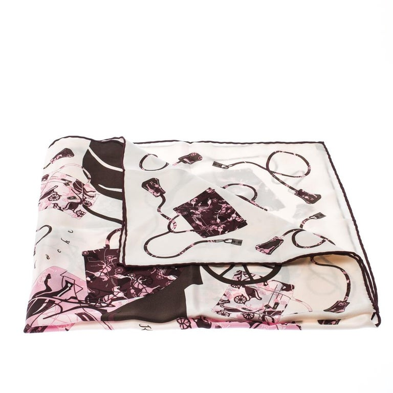 Hermes Cream, Pink & Brown Printed Silk Kelly en Caleche Scarf In Good Condition For Sale In Dubai, Al Qouz 2