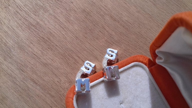 Hermès Cube Cufflinks Men and Women With Hermes Logo Letters in Silver For Sale 6