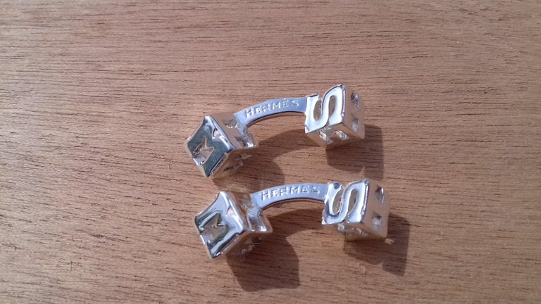 Women's or Men's Hermès Cube Cufflinks Men and Women With Hermes Logo Letters in Silver For Sale