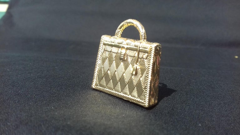 Hermès Curiosity Kelly Bag Pendant Charm Permabrass Metal  In Excellent Condition For Sale In ., FR