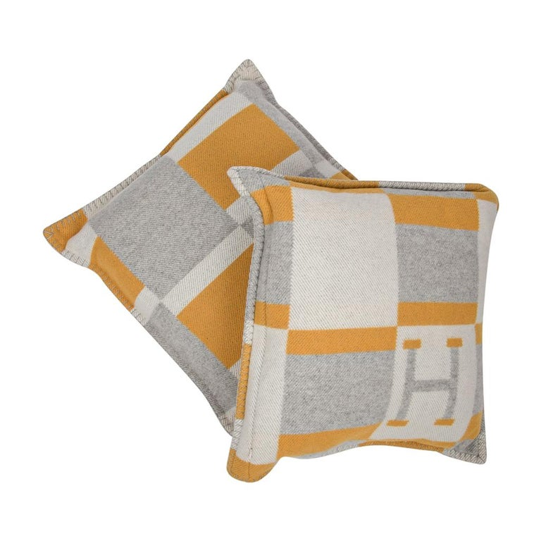 Hermes Cushion Avalon Bayadere PM Throw Pillow Jaune / Gris Claire For Sale 1