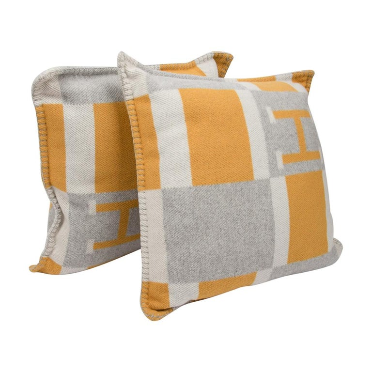 Hermes Cushion Avalon Bayadere PM Throw Pillow Jaune / Gris Claire For Sale 3
