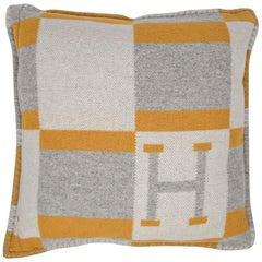 Hermes Cushion Avalon Bayadere PM Throw Pillow Jaune / Gris Claire