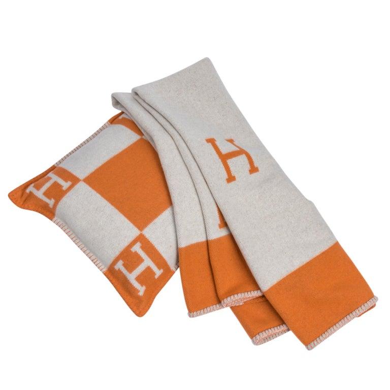 Hermes Cushion Avalon I PM Signature Orange Throw Pillow Cushion Set of Two New For Sale 1